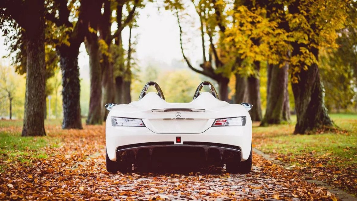 McLaren-Mercedes-Benz SLR Stirling Moss