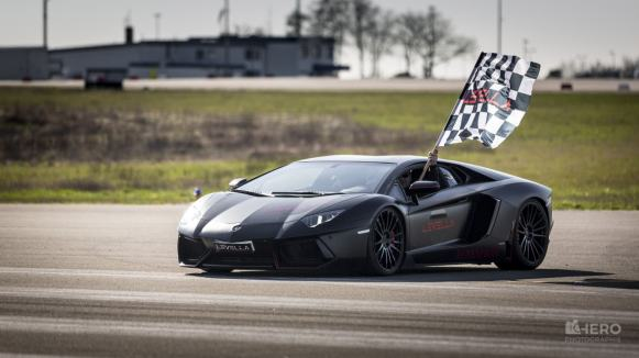 CarsCeption-Actualite-Automobile-Drag-Race-Levella-10-Supercars-3
