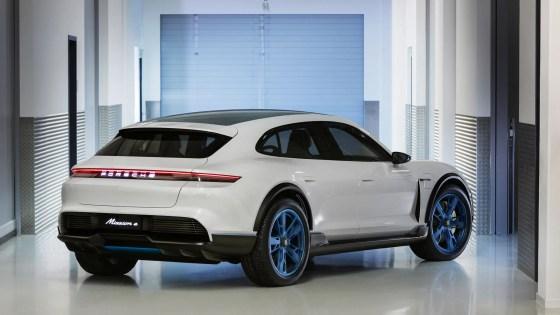Porsche Mission E Cross