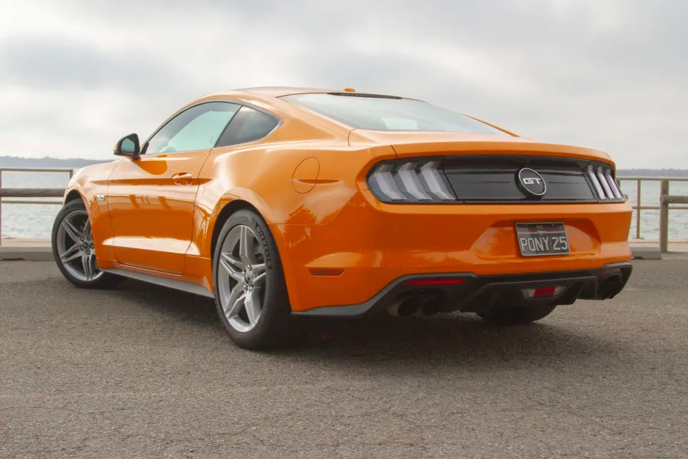 ford mustang 2019 review gt manual