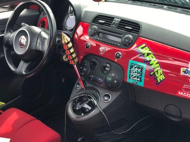 Sunday Cruisin' Buffalo Wings & Rings Fiat interior