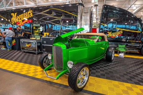 1932_Ford_Roadster.14