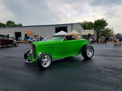 1932_Ford_Roadster.19