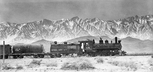 Coming into Keeler Station in the'40s (Fred Hust photo)