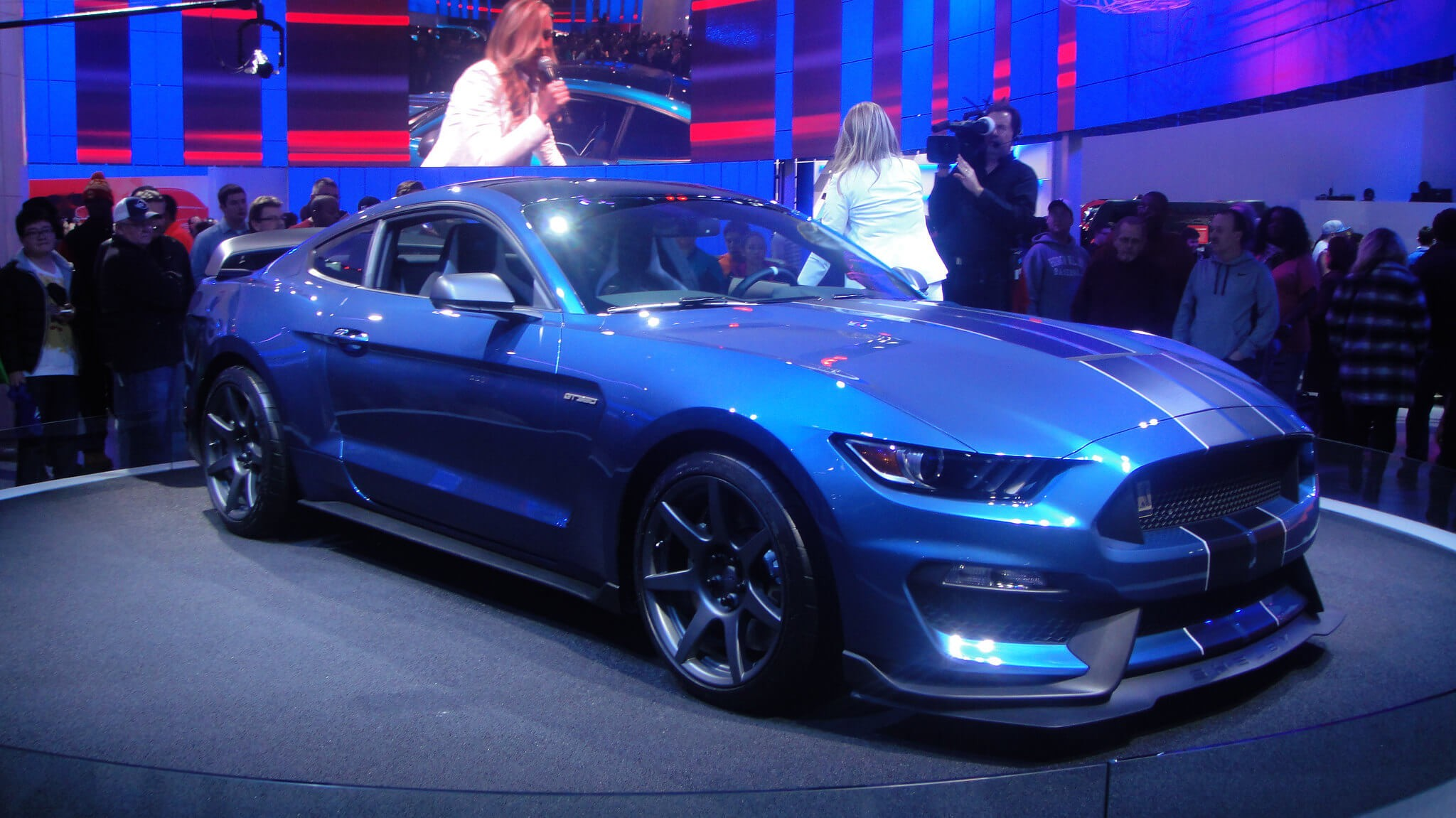ford-mustang-shelby-gt350r00001