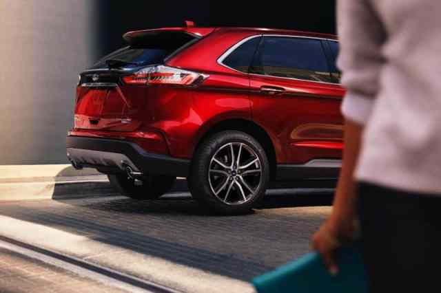 Rear Side 2019 Ford Edge Titanium Elite