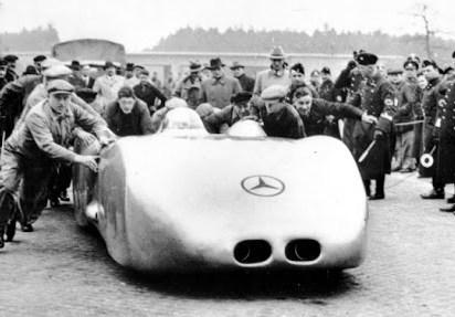 Uma Mercedes a 432 km/h: W125 !