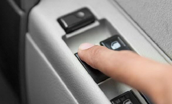 4-cara-merawat-power-window-mobil-yang-mudah-dan-bikin-aman
