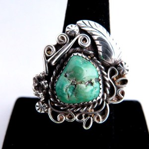 Native American Vintage Pawn Scrolled Leaf Green Turquoise Ring
