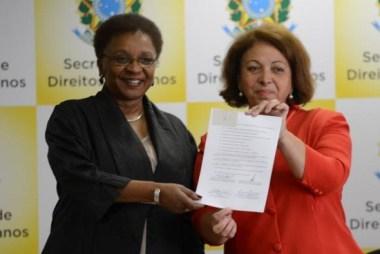 AgBR - As ministras Luiza Bairros e Ideli Salvatti