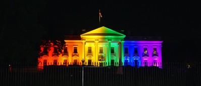 A Casa Branca, sede do governo americano, se tingiu com as cores do arco-íris para celebrar o orgulho LGBT