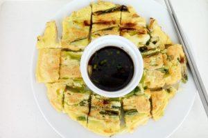 Clatite coreene cu ceapa verde (10)