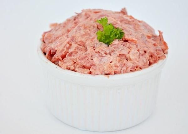 Salata ruseasca cu hering si sfecla