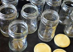 Cum se sterilizeaza borcanele la cuptor