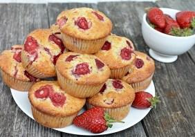 Muffins cu capsuni
