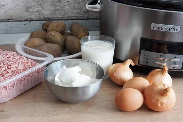 Musaca de cartofi la Crock Pot