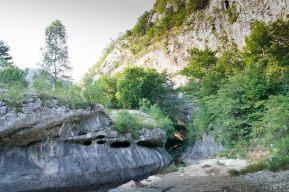 Intrarea in Cheile Banitei - Muntii Sureanu - Hunedoara