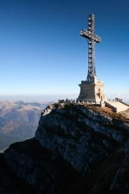 Jepii Mici_cabana Caraiman_Brana Mare a Caraimanului_Monumentul Eroilor_la Cruce_017
