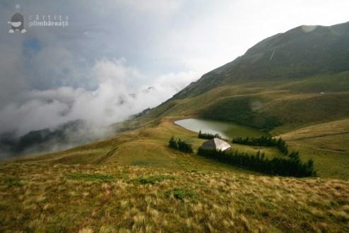 Lacul Siriu si Lacul Vulturilor - Muntii Siriu