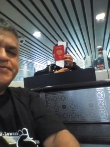 Zunar Tweets from Kuala Lumpur international Airport as he is prevented from leaving Malaysia - Oct 17th 2016