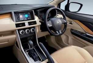 Mitsubishi Xpander incar Mobilio