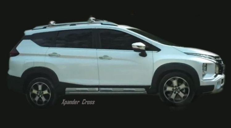 Penampakan Xpander Cross Tampak Samping