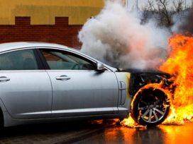 Mobil Terbakar - Tips Cegah Kebakaran Mobil