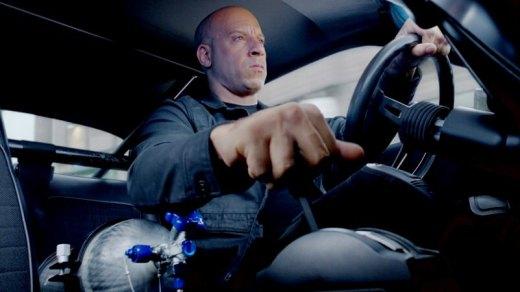 Dominic Toretto (Vin Diesel) - Membalap dengan NOS - Fast & Furious
