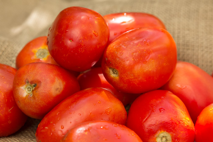 Σπιτική σάλτσα ντομάτας από φρέσκες καλοκαιρινές ψητές ντομάτες