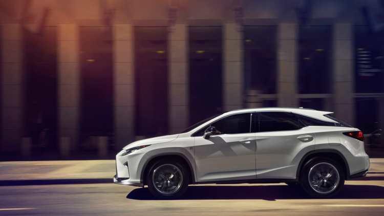 新型レクサスRXのサイズ・大きさは?輸入車X5,GLE.カイエンと国産SUV車のライバル車と比較しながら!