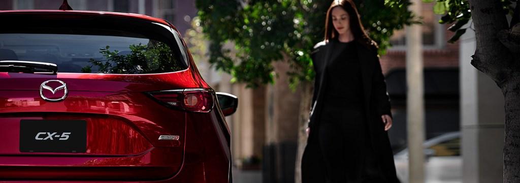 新型CX-5の人気カラーはやっぱり赤だ!おすすめカラーも決定!マシーングレープレミアムメタリックも売れ筋!