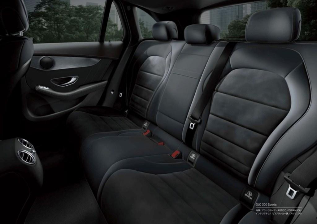 ベンツ新型GLCの内装レビュー【後部座席・ラゲッジ編】見晴らし最高の理由はシート高にあり?ラゲッジは最高の出来栄え!
