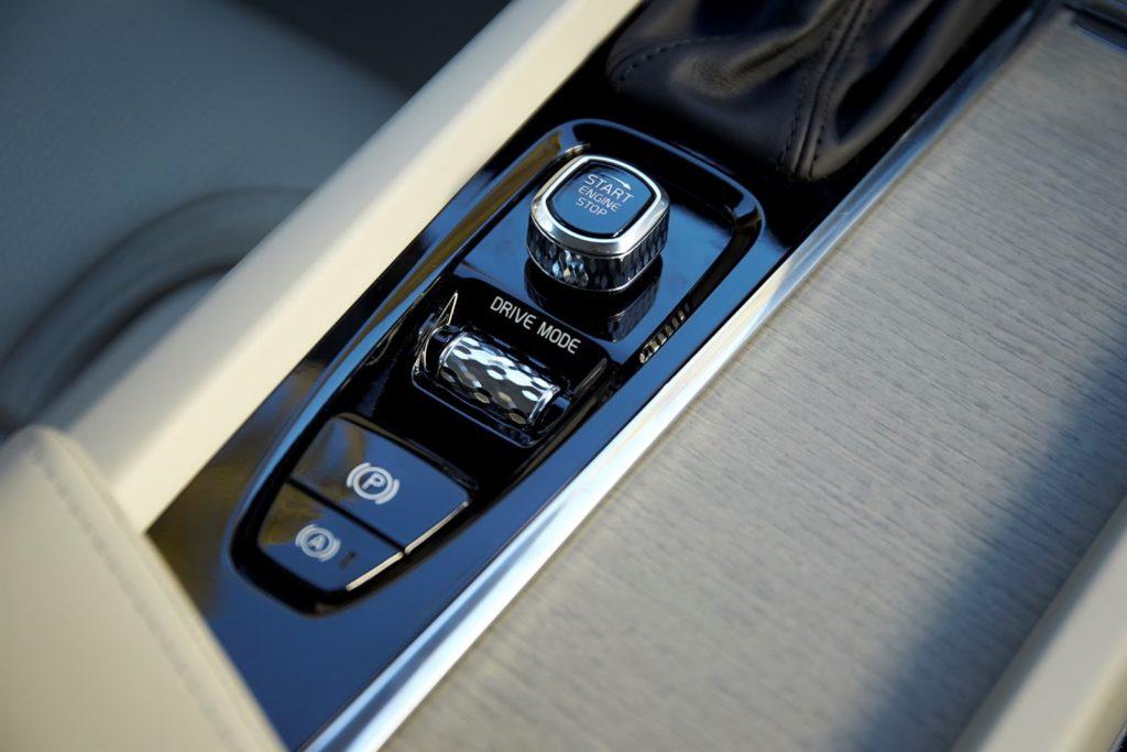 新型XC60