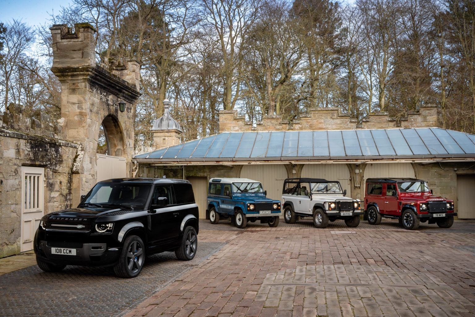 2022 Land Rover Defender Adds 518Hp V8 To Its powertrain ...