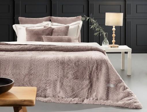 γούνινη-κουβέρτα-υπέρδιπλη-220×240-guy-laroche-crusty-old-pink