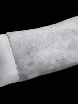 Μαξιλάρι φιγούρας Satin με γούνα Art Fur 30x60 Guy Laroche Crusty Silver