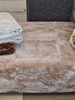 Κουβέρτα Μονόχρωμη Υπέρδιπλη 220x240 Valentini 355