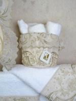 πετσέτες-Λευκές-σετ-3-τεμαχίων-1241-με-κέντημα-σε-μπεζ-λινό