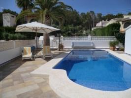 Casa-Alicia-zwembad-met-zonneterras