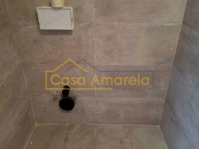Preparação de material para remodelação de casa de banho