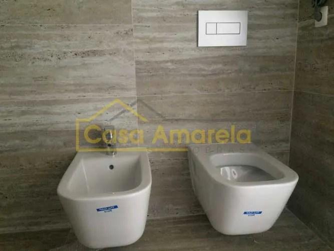Sanita e bidé em remodelação de casa de banho