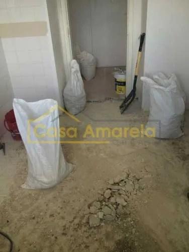 Remodelação de cozinha por medida substituir pavimento