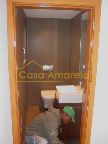 Trabalhos de remodelação de casa de banho no Porto