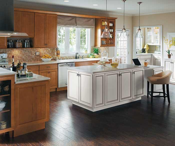 Homecrest Kitchens on Maple Cabinets Kitchen  id=99230