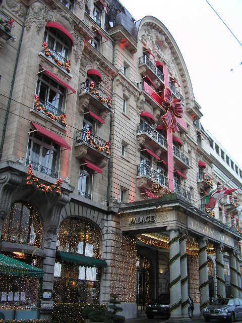 Hotel Lausanne Palace, em Lausanne, Suíça. Embrulhado de presente para os hóspedes I Foto: Adriano Gronard