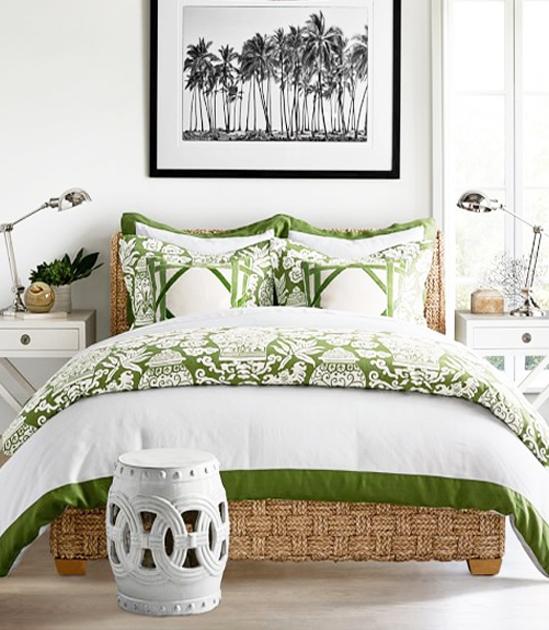 Aproveite e vista a sua cama com o verde também!!! http://www.williams-sonoma.com/products