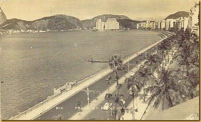 Praia do Flamengo antes da construção do aterro e seu parque! saiba mais sobre a construção do Parque do Flamengo, importante obra de paisagismo do Rio de Janeiro, m nossa matéria!