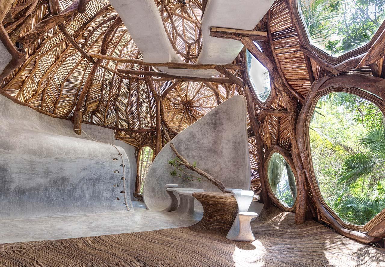 La arquitectura física orgánica de la galería Ik Lab en Tulúm