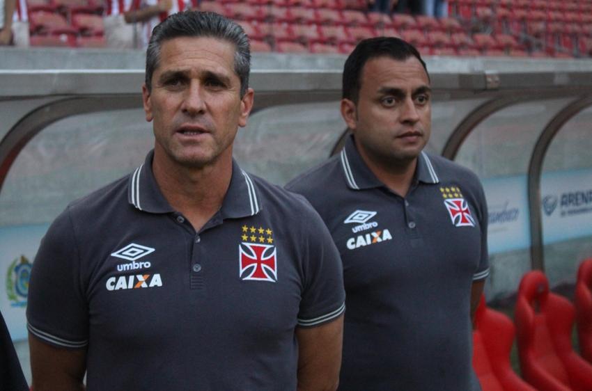 Jorginho lamenta atuação do Vasco e pede foco nos próximos jogos fora do Rio 712ddecc15e8a