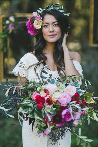 casacomidaeroupaespalhada_noivas-diferentes-originais_coroa-flores_02